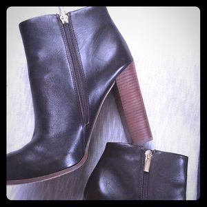 Vince Camuto Leather Boot Size 10